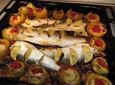 Фаршированная рыба с грибами