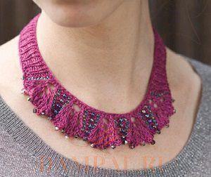вязаное украшение на шею