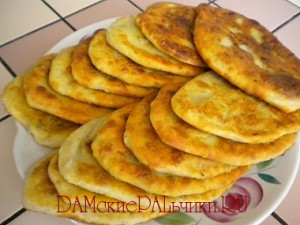Тонкие пирожки с картошкой на кефире