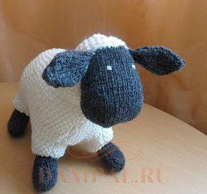 вязаная игрушка овечка