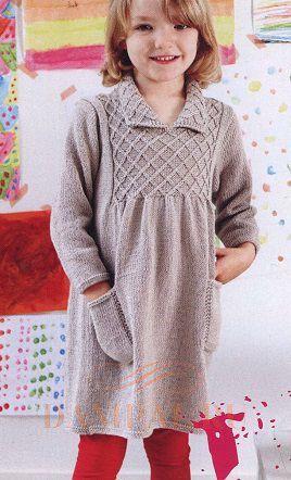 Платье теплое вязаное спицами для девочки