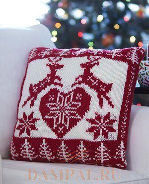 вязаная новогодняя подушка