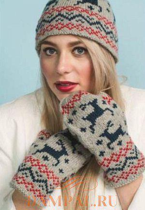 Шапка и варежки от дизайнера Erica Mount украшены рисунком с оленями b3cfaf0c379