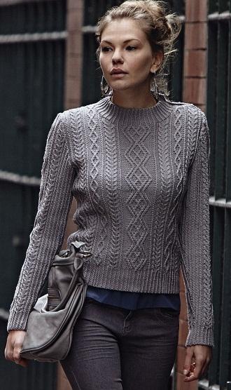 Серый вязаный пуловер