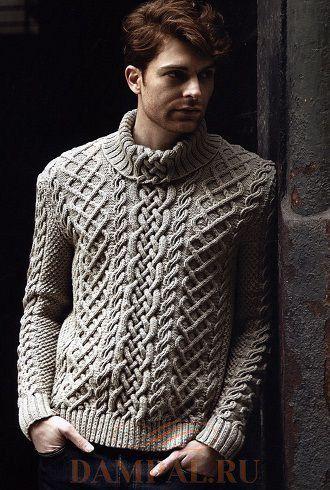 Белый мужской свитер с воротником
