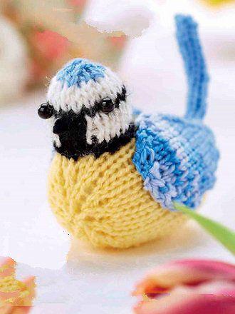 Вязаная птичка «Голубая синица»